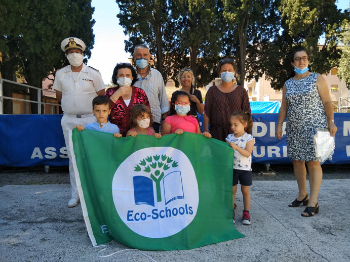 La Bandiera Verde alla scuola dell_infanzia L_Aquilone di Diano Marina