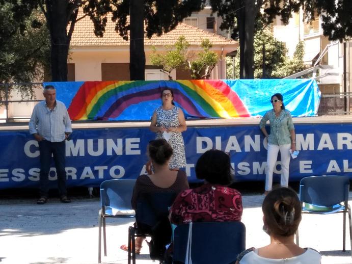 La dirigente scolastica dell_IC Diano Marina prof. Patrizia Brosini